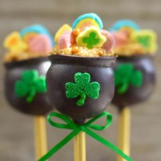 St pat's day pops Wilton Candy Melts, Best Candy, Boxes For Sale, Chocolate Treats, Candy Making, Decorating Tools, Joanns Fabric And Crafts, Craft Stores, Special Occasion