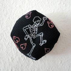 Goth Sakura Biscornu Dance macabre Cherry blossom Skeleton needle cushion Cherry blossom Black