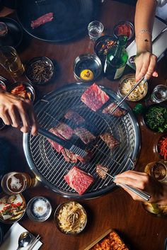 Next Generation of Korean BBQ Korean barbecue in America has become stagnant, and chefs across the country are doing something about it.Korean barbecue in America has become stagnant, and chefs across the country are doing something about it. Korean Bbq Grill, Korean Bbq At Home, Korean Bbq Restaurant, Fast Food, Bulgogi, Korean Food, Asian Recipes, Love Food, Carne