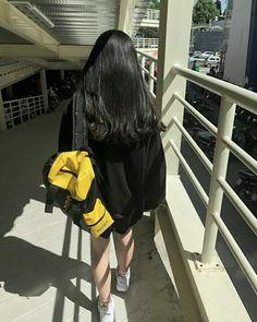 Ulzzang Korean Girl, Cute Korean Girl, Asian Girl, Korean Aesthetic, Aesthetic Girl, Girl Photo Poses, Girl Photos, Cute Girls, Cool Girl