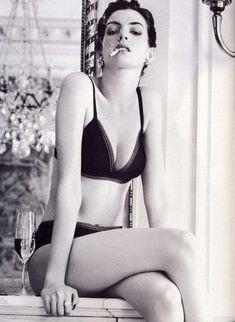 Anne Hathaway Lights Up for Vogue Magazine #SAGawards #AnneHathaway