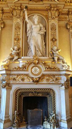 La célèbre cheminée du ministère #robesdeprincesses #robesdemariees