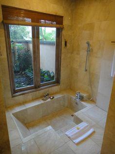 Diy Bathroom Decor, Bathroom Renos, Bathroom Interior Design, Small Bathroom, Interior Modern, Ubud, Ux Design, Sunken Bathtub, Bathtub Shower Combo