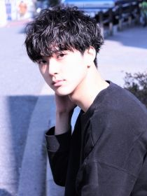 ガズル ハラジュク(GUZZLE HARAJUKU) 重めのスパイラルショートスタイル Japan Fashion, Fashion Art, Mens Fashion, Japanese Boy, Boy Hairstyles, Asian Boys, Tomboy, Lee Gikwang, Hair Cuts