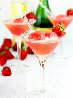 Sparkling Strawberry Sorbet | @creativculinary