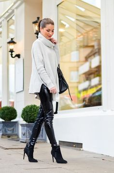 Outfit-Winter-Lack-Latex-Hose-Oversized-asymmetrischer-Rollkragen-Pullover-Ankle-Boots (9 von 20)