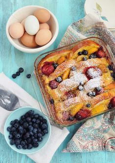 Overnight Fruity French Toast Casserole is a great make ahead breakfast. Bread is covered in an eggy custard, fruit, then baked. Perfect for Sunday brunch! French Toast Bread Pudding, French Toast Bake, French Toast Casserole, Make Ahead Breakfast, Breakfast Dishes, Breakfast Recipes, Brunch Recipes, Dessert Recipes, Desserts
