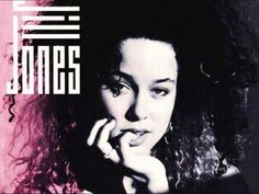Produced by David Z. and Jill Jones, co-produced by Prince (1987 Paisley Park, Usa)