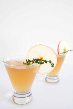 Cheers to the fall season with this yummy sparkling apple rum punch.