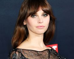 We're snagging this holiday party look straight from Felicity Jones, the gorgeous star of the new Star Wars film. Here's how to replicate this stunning look thanks to green makeup artist Katey Denno...
