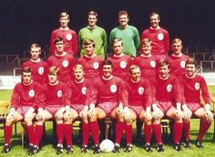 Squad picture for the season - LFChistory - Stats galore for Liverpool FC! Squad Pictures, Squad Photos, Team Photos, Liverpool Fc Team, Liverpool Legends, Best Football Team, Football Fans, Bristol Rovers, Football Memorabilia