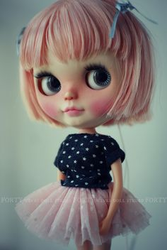 Christine (Forty Winks Doll Studio) (@110391512@N02)'s photos.