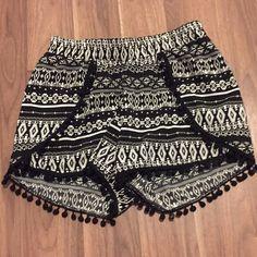 Patterned shorts Black and white with fringe Rue 21 Shorts