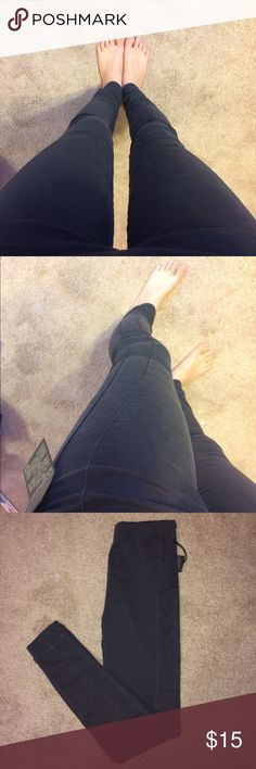 Charcoal Jeggings Jeggings in the color characoal (dark grey). Feel like pants/jeans but they are really stretchy like leggings and very comfortable. They have a subtle design along the side (as shown in picture. Size small. It fits me pretty well and I typically wear a size 0 or 24 but since it is stretchy it could probably fit a few sizes bigger. Forever 21 Pants Leggings