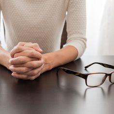 Está desempregado? Veja no nosso artigo uma oração poderosa para encontrar um emprego e também uma simpatia para atrair o emprego tão sonhado para a sua vida