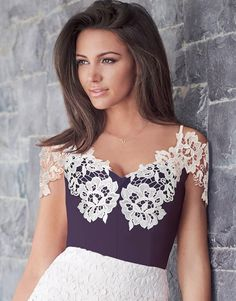 This Lipsy Love Michelle lace body is sure to make you fall in love again, in lavish lace trimming and cold shoulder style, this this elegant piece just oozes femininity. For a classic look team this body with a midi skirt and patent courts.