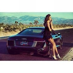 Audi R8.  Smokin' HOT!