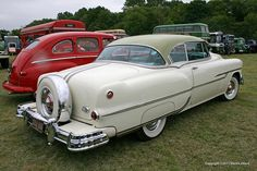 1953 Pontiac Catalina Hardtop With Continental Kit.