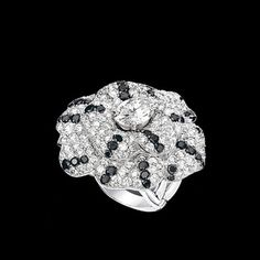Camélia Ring in 18K white gold, black diamonds and diamonds. - CHANEL