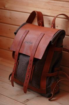Discover recipes, home ideas, style inspiration and other ideas to try. Leather Briefcase, Leather Backpack, Leather Bags Handmade, Leather Craft, Unique Backpacks, Back Bag, Men's Backpack, Canvas Backpack, Leather Projects