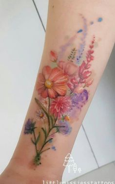 Colorful floral bouquet by Jess Hannigan – Tattoos Trends Line Art Tattoos, Body Art Tattoos, New Tattoos, Sleeve Tattoos, Tatoos, Inspiration Tattoos, Pretty Tattoos, Beautiful Tattoos, Pastell Tattoo
