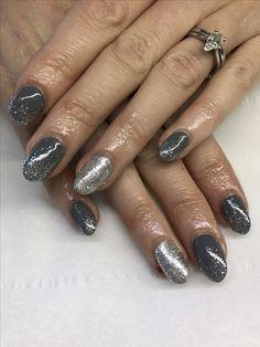 Grey/silver gel polish
