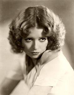 Clara Bow, 1932.