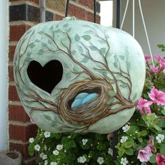 Hand Painted Apple Gourd Birdhouse With Birds by FromGramsHouse/love the colors, & design Hand Painted Gourds, Decorative Gourds, Fall Craft Fairs, Gourds Birdhouse, Tole Painting, Diy Painting, Gourd Art, Bird Houses, Bird Feeders