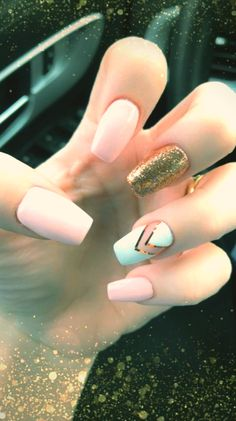 Try some of these designs and give your nails a quick makeover, gallery of unique nail art designs for any season. The best images and creative ideas for your nails. Summer Acrylic Nails, Cute Acrylic Nails, Acrylic Nail Designs, Cute Nails, Pretty Nails, Nail Summer, Summer Beach, Simple Acrylic Nail Ideas, Acrylic Nails Coffin Short