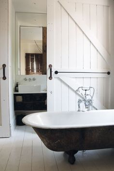 Vintage House - Bedroom Bath