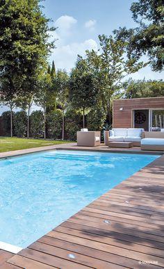 """ACQUA PISCINES & ALENTOURS, Villefranche sur Saône (69) construit votre #piscine béton © Magiline sur mesure ou en version standard. Ce #pisciniste installe aussi votre #spa de détente ou #spa de nage..; Profitez vite de son """"OFFRE SUR MESURE"""" sur http://www.avantages-habitat.com/entreprise-acqua-piscines-alentours-389.html photo : @ MAGILINE"""