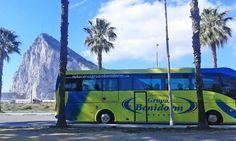 Delante del peñón de Gibraltar