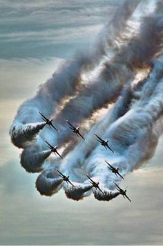 """amazing photography - """"Just the best picture site in the world"""" Jet Fighter Pilot, Fighter Jets, Military Jets, Military Aircraft, Photo Avion, Cool Pictures, Cool Photos, Funny Pictures, Korean Air"""