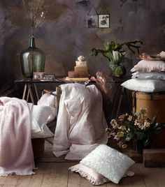 still life, clarity, perfectionism, romantic, absence of subject