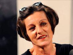 La escritora rumano-alemana Herta Müller, laureada el jueves con el Premio Nobel de Literatura 2009, es la duodécima mujer que obtiene este prestigioso galardón.