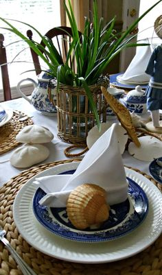 Upstairs Downstairs: Shelly's Seashell Tablescape
