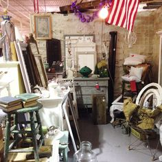 Gone junkin & pickin ! ...... Download the FLEATIQUE APP on the App Store ! ....... Junk gypsy gypsies farmhouse farm house cottage shabby chic junkin junk pickers american antique antiques furniture vintage roadshow retro old store mall shop