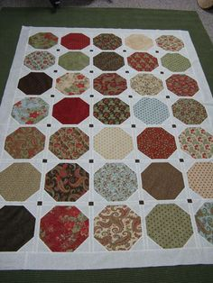 WELL, I AM DOWN TO THE LAST BORDER ~ I can't wait to get it Finished and Quilted! HAVE A BLESSED DAY! ~ DONNA ~