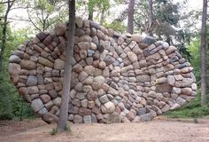 'Echo van de Veluwe' Netherlands, made of 310 erratic boulders and in total weighs 32 tons. By Chris Booth.