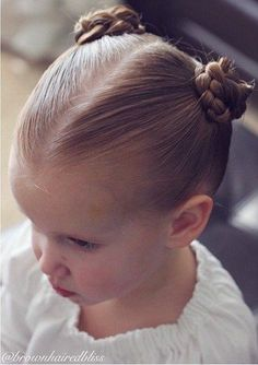 40 coole Frisuren für kleine Mädchen bei jeder Gelegenheit Decorated Four-Strand Braid Flower A ribbon braid is pretty when it's freely-hanging, but it can also make a gorgeous updo. Swirl the braid into a flower sh - Farbige Haare Easy Little Girl Hairstyles, Cute Hairstyles For Kids, Baby Girl Hairstyles, Fancy Hairstyles, Hairstyles For School, Braided Hairstyles, Toddler Hairstyles, Teenage Hairstyles, Hairstyles Pictures