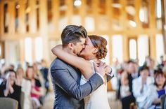 Great perspective for the kiss. From Ross Harvey Photography.
