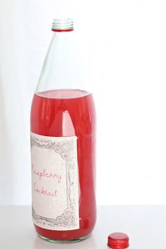 DIY fabric labels - great for favors, wine bottle table numbers and more! www.julieblanner.com