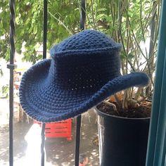 Un favorito personal de mi tienda Etsy https://www.etsy.com/es/listing/476215135/sombrero-mascota-unisex-de-lana
