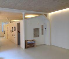 micro cr che lyon salle d activit vers cloisons modulables pour fermer le dortoir n 2. Black Bedroom Furniture Sets. Home Design Ideas