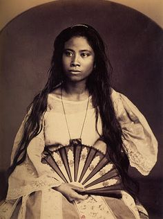 Tagale woman from Manilla Filipino Art, Filipino Culture, Cultura Filipina, Vintage Photographs, Vintage Photos, Philippines Culture, Ghost In The Machine, Filipiniana, Face Sketch