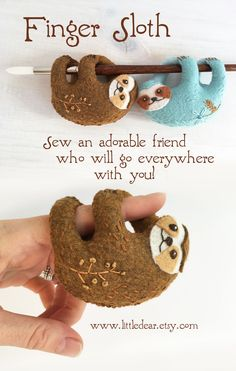 Sweet Finger Sloths will hang around wherever you are! Stitch up a cute felt friend with this PDF download sewing pattern. #slothplush #slothsewingpattern #feltanimals