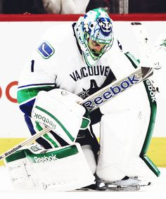 23 Best Luongo Images In 2017 Hockey Nhl Sports