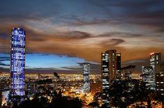 Bogotá nocturna Skyscraper, Multi Story Building, Explore, Halloween, Lips, Colombia, Places, Skyscrapers, Spooky Halloween