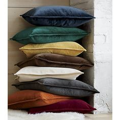 brenner indigo blue 20 velvet pillow - Taupe Wohnzimmer