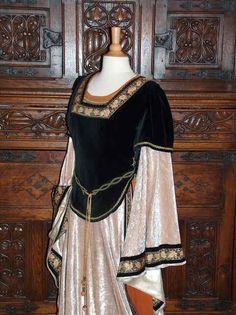 Court lady garb, 1120-1150.